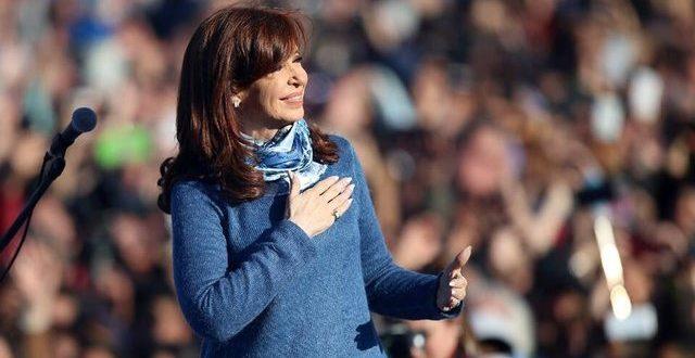 Cristina lanzaría su candidatura el Día de la Bandera, en la cancha de Racing