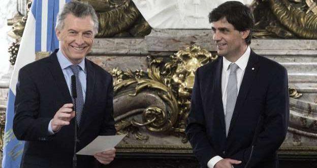 """Mauricio Macri : """"El dólar se va a quedar donde está"""""""