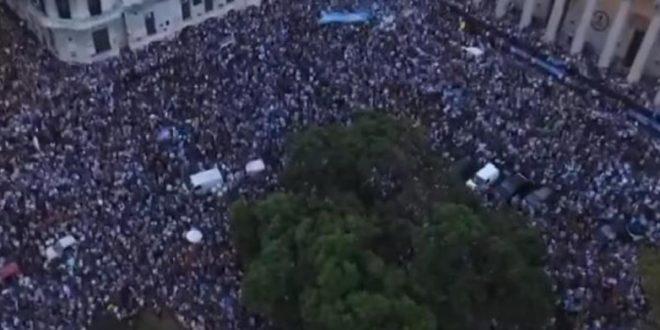"""El #24A en vivo : Bajo las consignas """"no vuelven más"""" y """"sí, se puede"""""""