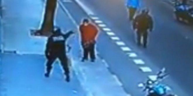 VIDEO: murió luego de recibir la patada de un policía en el pecho