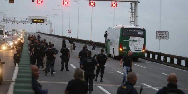 EN VIVO: toma de rehenes en un ómnibus con pasajeros en Brasil