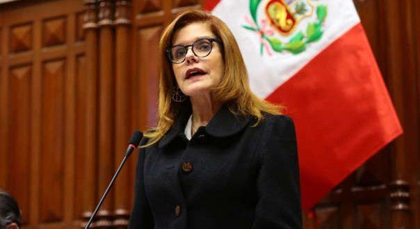 Una descendiente de próceres tucumanos juró como Presidente interina de Perú, en medio del caos