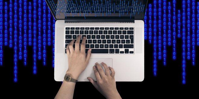 Los dispositivos electrónicos y equipos informáticos que resultan imprescindibles para tu vivienda