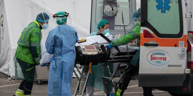 Nuevo récord en España, 838 muertos en un día por coronavirus y el total de víctimas asciende a 6.528