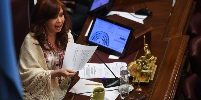 Cristina Kirchner pide que el Congreso sesione vía web para tratar el impuesto a la riqueza