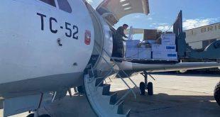La Fuerza Aérea Argentina traslada respiradores, ecógrafos y elementos de protección personal a otras provincias