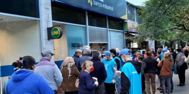 Los bancos abren sábado y domingo de 9 a 16hs. Conoce quienes pueden concurrir.