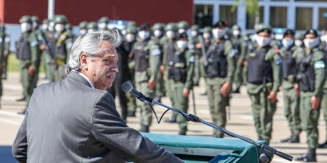 Alberto Fernández encabezó en La Matanza la presentación de un nuevo contingente de personal de Gendarmería
