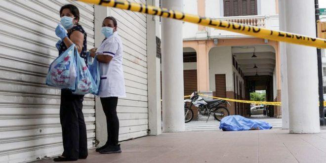 Video : Hospitales desbordados y cadáveres en las calles en Ecuador