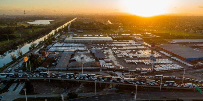 Desorganización general, problemas con los certificados y caos de tránsito en el primer día de cuarentena estricta