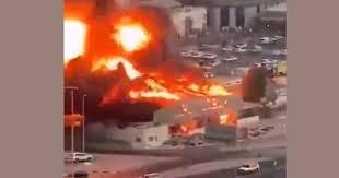 Impresionante explosión en mercado de Emiratos Árabes