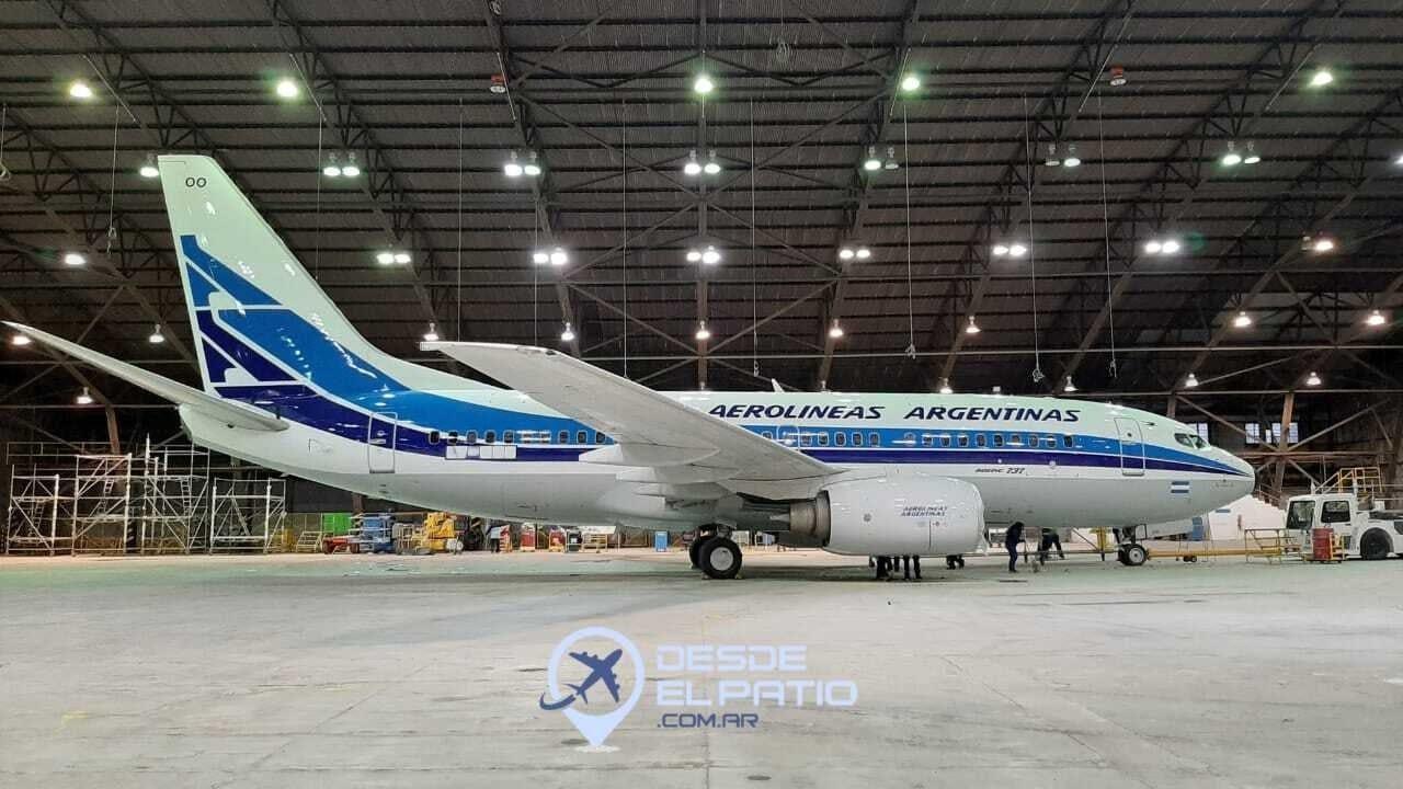 Aerolineas Argentinas livery retro en su aniversario numero 70