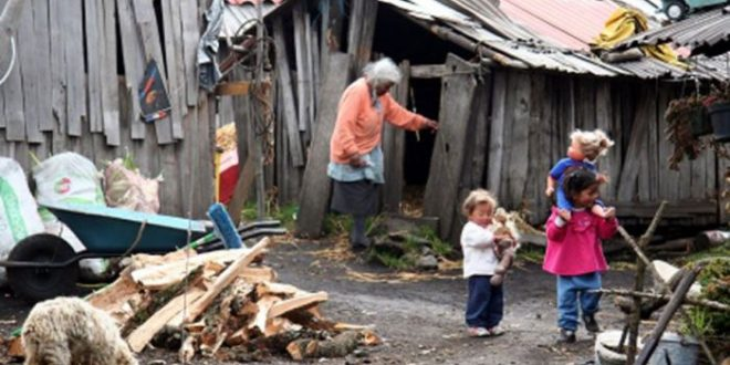 """El Gobierno reconoce que habrá un """"aumento importante"""" en los índices de pobreza"""