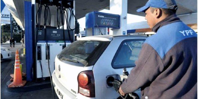 Gobierno postergó suba de impuestos y frenó otro incremento de hasta 3,2% en las naftas