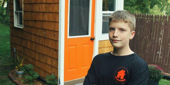 Con 13 años construyó una casa por solo 1.500 dólares