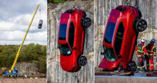 Video: Volvo lanza autos nuevos desde 30 metros de altura para simular accidentes y rescates